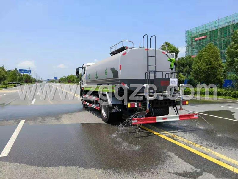 程力集团福田瑞沃洒水车